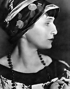 Anna-Akhmatova-great-Russian-poet1