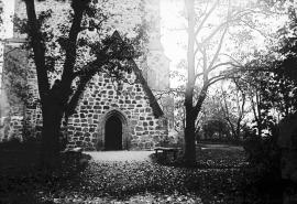 Gamla_Uppsala_Church,_Old_Uppsala,_Uppland,_Sweden